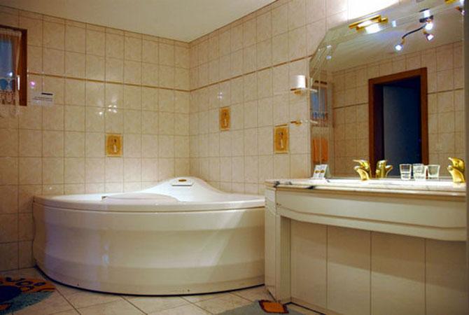 ремонт квартир и ванных комнат потолки
